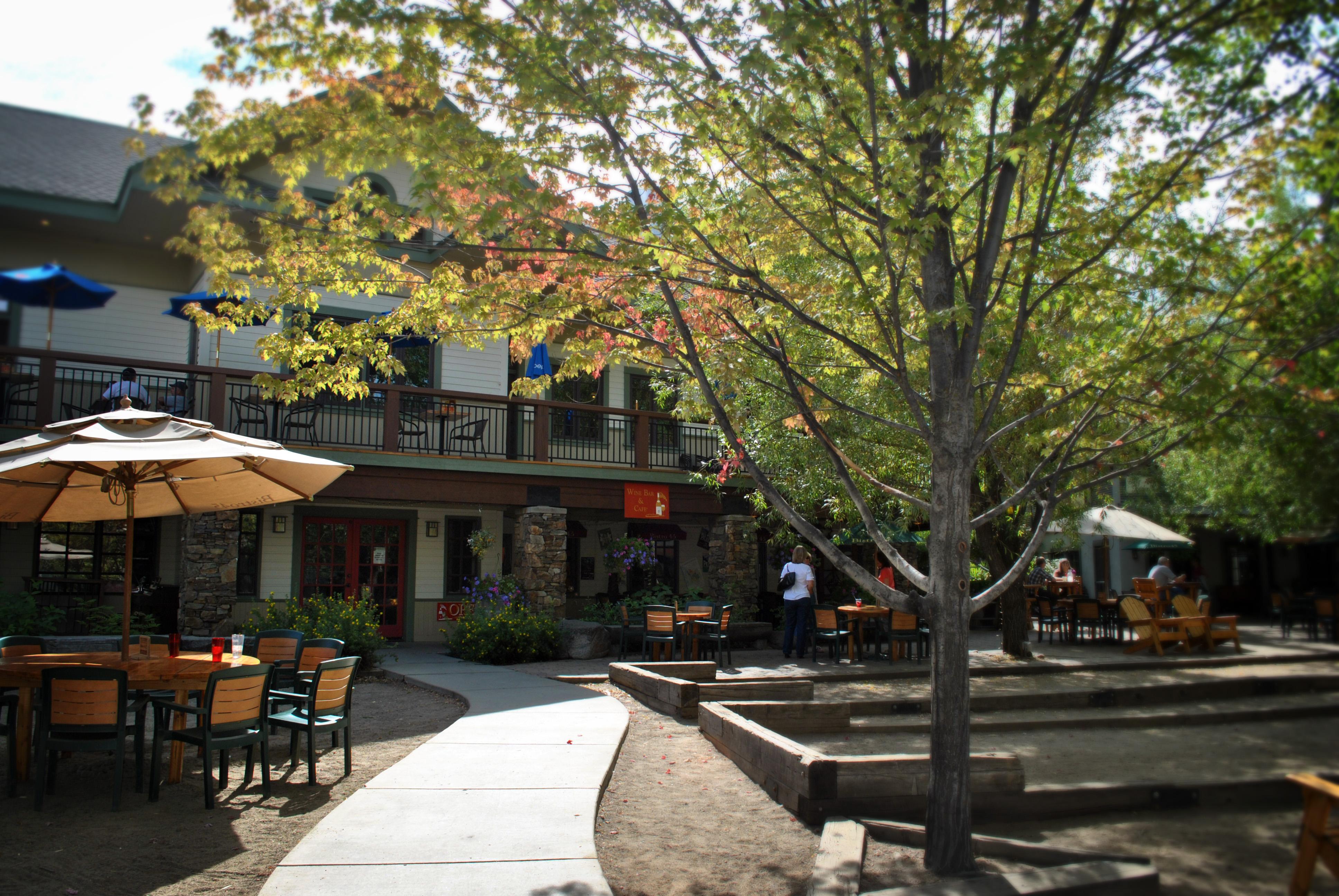 HM Courtyard (5)